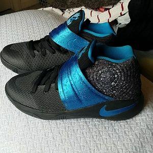 Nike Shoes   Nike Kyrie Irving Jby